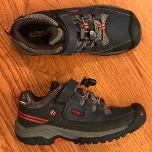 Keen Waterproof Hiking Sneaker, Gray
